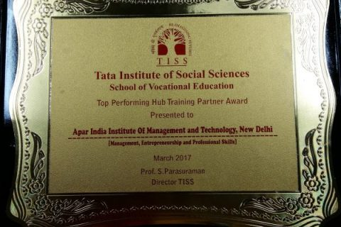 The-Award-for-being-the-Top-Performing-Hub-Training-Partner-e1529497087507-480×320